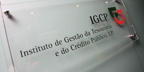 """<span class=""""entry-title-primary"""">El interés de la deuda portuguesa es inferior al español en el mercado secundario</span> <span class=""""entry-subtitle"""">António Costa defiende su gestión económica</span>"""