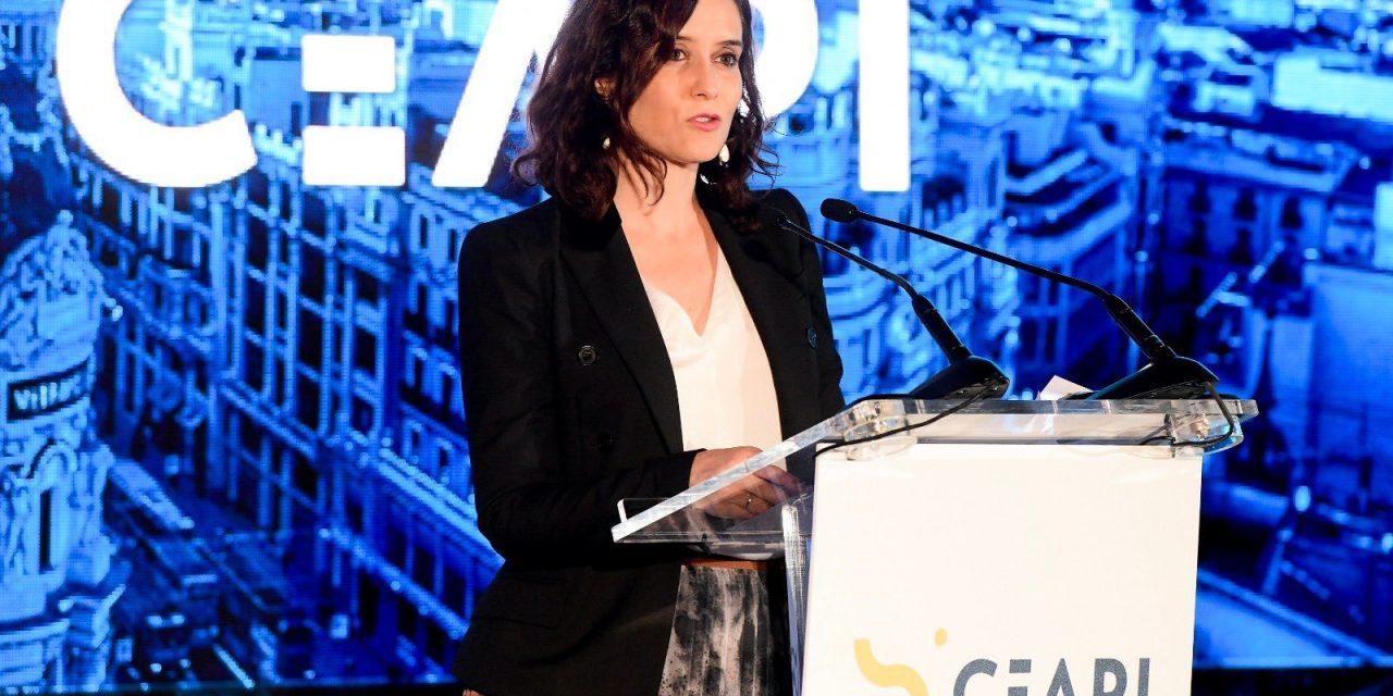 """<span class=""""entry-title-primary"""">Díaz Ayuso solicita que Madrid sea sede de la cumbre iberoamericana en 2021</span> <span class=""""entry-subtitle"""">En 2020, la cumbre de jefes de Estado y de Gobierno será realizada en Andorra</span>"""