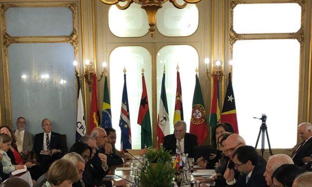 """<span class=""""entry-title-primary"""">Os embaixadores ibero-americanos reúnem-se com os da CPLP em Lisboa</span> <span class=""""entry-subtitle"""">A iniciativa procura o fortalecimento do diálogo entre os dois blocos</span>"""