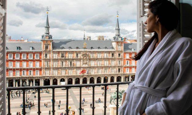 """<span class=""""entry-title-primary"""">El hotel portugués de la plaza Mayor de Madrid es nominado a un premio</span> <span class=""""entry-subtitle"""">El Pestana Plaza Mayor Madrid es nominado al premio International Hospitality Award</span>"""