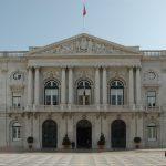 """A Câmara Municipal de Lisboa e o PS declaram o seu """"total respeito pela Constituição espanhola"""""""