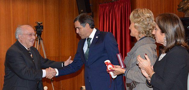 """<span class=""""entry-title-primary"""">Valentín Cabero recebe a Medalha de Mérito do Guarda por seu envolvimento no Centro de Estudos Ibéricos</span> <span class=""""entry-subtitle"""">O professor reformado de geografia representa a Universidade de Salamanca na CEI desde a sua fundação há 20 anos</span>"""