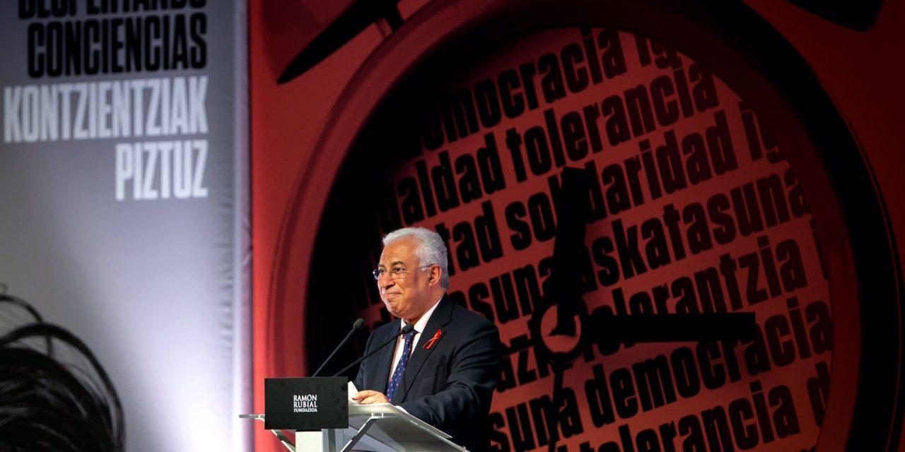 """<span class=""""entry-title-primary"""">António Costa recibe el premio Ramón Rubial en el 1 de diciembre</span> <span class=""""entry-subtitle"""">Lo recibió en Bilbao y hoy se dispone a acudir a la Cumbre del Clima en Madrid</span>"""