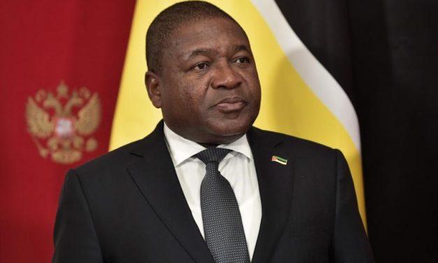 El nuevo presidente Filipe Nyusi toma posesión en Mozambique