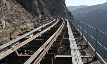 """<span class=""""entry-title-primary"""">Norte de Portugal y de Castilla y León preparan una campaña ibérica para la reactivación de la línea ferroviaria del Duero</span> <span class=""""entry-subtitle"""">El tren contará con vagones 'vintage' para apreciar mejor el paisaje</span>"""