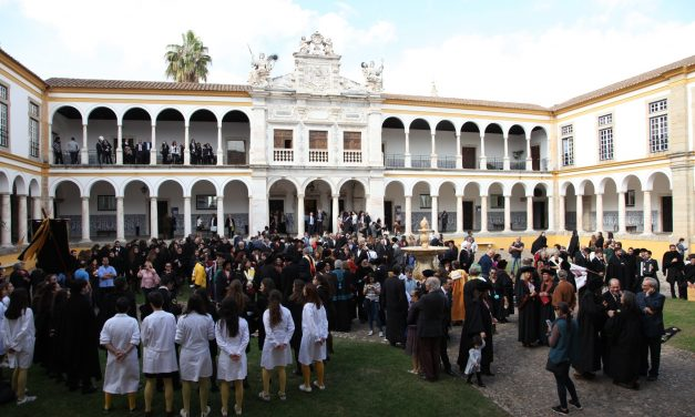 """<span class=""""entry-title-primary"""">Estudiantes lusófonos africanos eligen Évora para estudiar</span> <span class=""""entry-subtitle"""">Este innovador programa ha permitido, desde 2015, formar 60 estudiantes de máster </span>"""