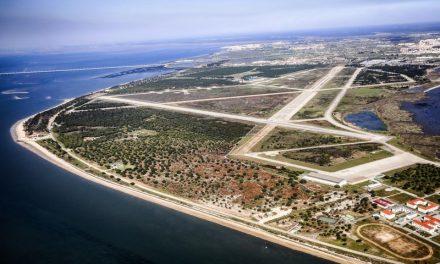 """<span class=""""entry-title-primary"""">Varios alcaldes se oponen a la construcción del aeropuerto de Montijo</span> <span class=""""entry-subtitle"""">La instalación aún no ha salido del papel, pero ya ha despertado recelos</span>"""