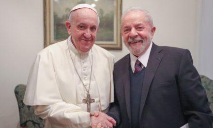 """<span class=""""entry-title-primary"""">Lula visita o Papa e agradece a solidariedade</span> <span class=""""entry-subtitle"""">Este encontro iberófono, entre um brasileiro e um argentino, abordou as questões da desigualdade, pobreza e proteção ambiental </span>"""