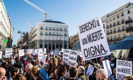 """<span class=""""entry-title-primary"""">Europa está convocada a decir sí o no a la eutanasia</span> <span class=""""entry-subtitle"""">En los próximos días la """"muerte digna"""" vuelve a estar en las agendas de España y Portugal</span>"""