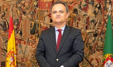 """<span class=""""entry-title-primary"""">Embaixador português: """"Espanha escuta agora muito mais Portugal""""</span> <span class=""""entry-subtitle"""">Para o diplomata, Espanha sempre foi muito influenciada pelos acontecimentos em Portugal, embora não tivesse essa """"perceção""""</span>"""