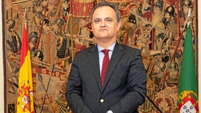 """<span class=""""entry-title-primary"""">Embajador portugués: «España ahora escucha mucho más a Portugal»</span> <span class=""""entry-subtitle"""">Para el diplomático, los españoles están empezando a darse cuenta de la influencia de Portugal en la vida social y política de España</span>"""