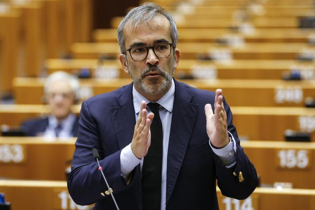 """<span class=""""entry-title-primary"""">Paulo Rangel: «Podríamos tener una política de exportación conjunta de las lenguas ibéricas»</span> <span class=""""entry-subtitle"""">El eurodiputado portugués dice que """"el Iberolux no es una Unión Ibérica"""" y apoya una """"cooperación más avanzada en la sanidad""""</span>"""
