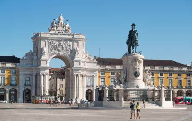 """<span class=""""entry-title-primary"""">Região de Lisboa aposta no turismo</span> <span class=""""entry-subtitle"""">O mercado espanhol é o quarto emissor de turistas</span>"""