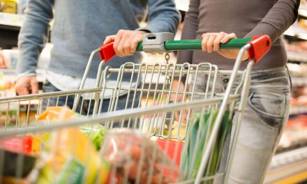 """<span class=""""entry-title-primary"""">Combate ao desperdício alimentar cresce em Portugal</span> <span class=""""entry-subtitle"""">Por ano, uma tonelada de alimentos vai para o lixo</span>"""