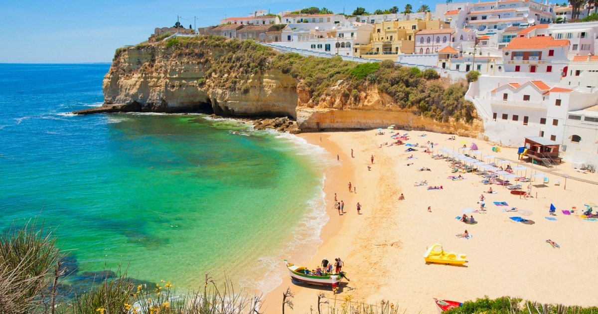 """<span class=""""entry-title-primary"""">El Algarve, Zamora y Alentejo son el «oasis» peninsular del Covid-19</span> <span class=""""entry-subtitle"""">El conjunto de las regiones rayanas llegan a 4.195 casos positivos por coronavirus</span>"""