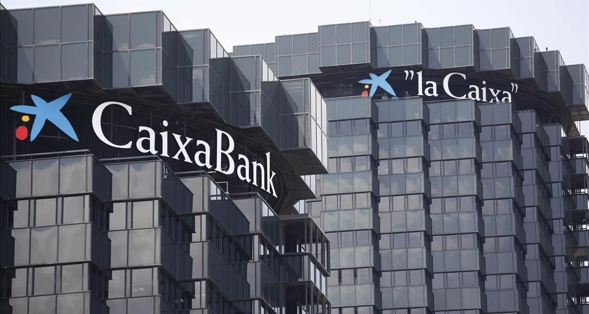 "<span class=""entry-title-primary"">CaixaBank ganha 1.381 milhões, 19% menos</span> <span class=""entry-subtitle"">Pagará um dividendo de 0,0268 euros por título</span>"