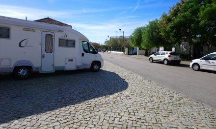 """<span class=""""entry-title-primary"""">Portugal e Espanha permitem que as autocaravanas saiam da Península Ibérica</span> <span class=""""entry-subtitle"""">As auto-caravanas de europeus não ibéricos estiveram durante umas horas num limbo jurídico</span>"""