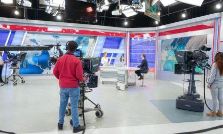 """<span class=""""entry-title-primary"""">Cofina desiste de la compra de TVI por la inestabilidad de los mercados</span> <span class=""""entry-subtitle"""">El grupo español PRISA anuncia «acciones jurídicas» contra el dueño del periódico Correio da Manhã</span>"""