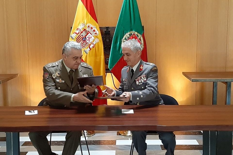 """<span class=""""entry-title-primary"""">Os exércitos de Espanha e de Portugal comemoram a batalha de Toro</span> <span class=""""entry-subtitle"""">Firmou-se uma carta de intenções para avançar com uma cooperação militar</span>"""