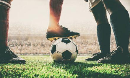 """<span class=""""entry-title-primary"""">La mafia portuguesa del fútbol pillada «Fuera de juego»</span> <span class=""""entry-subtitle"""">Clubes, representantes y jugadores se encuentran entre los acusados en esta operación</span>"""