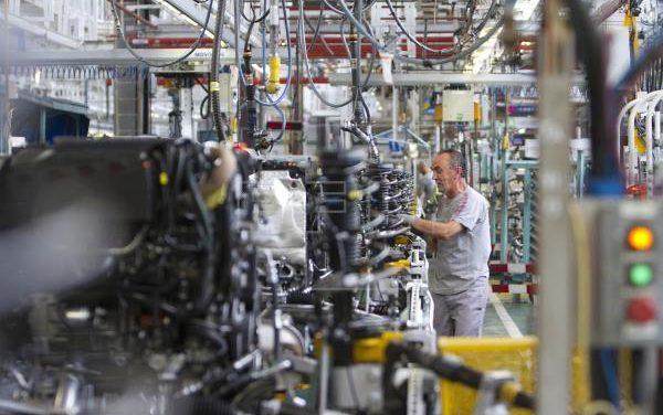 El grupo PSA plantea despidos temporales para sus fábricas de España y Portugal