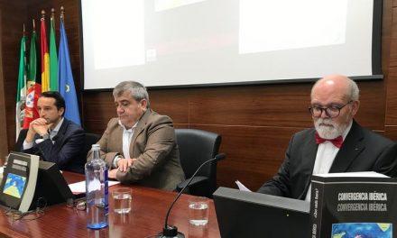 """<span class=""""entry-title-primary"""">De la Macorra defende um Conselho Ibérico entre Espanha, Portugal e Andorra</span> <span class=""""entry-subtitle"""">O livro """"Convergência Ibérica"""" apresentou-se com ânimo no """"resgate de um iberismo do século XXI""""</span>"""