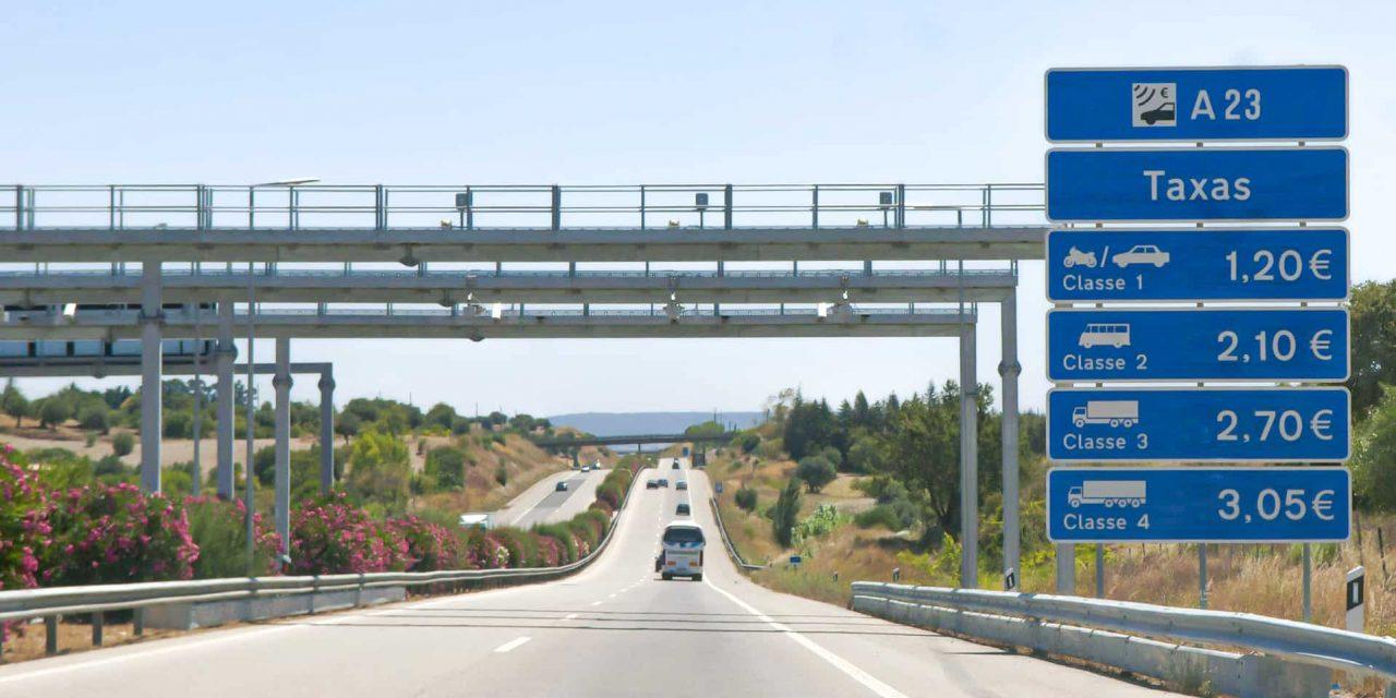 """<span class=""""entry-title-primary"""">Governo vai baixar preços em sete portagens</span> <span class=""""entry-subtitle"""">Medida vai beneficiar galegos que viagem frequentemente para Portugal</span>"""