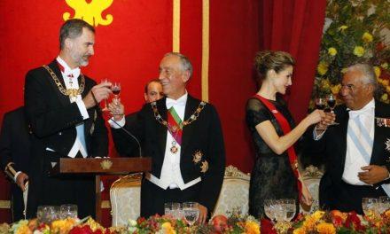 """<span class=""""entry-title-primary"""">Marcelo Rebelo de Sousa: """"O rei de Espanha sublinhou o reconhecimento pela posição tomada pelo primeiro-ministro português""""</span> <span class=""""entry-subtitle"""">O Presidente da República portuguesa falou com o chefe de Estado espanhol</span>"""