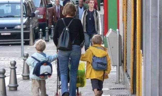 """<span class=""""entry-title-primary"""">Passeios com crianças, um primeiro passo para a volta à normalidade</span> <span class=""""entry-subtitle"""">Este contacto com a natureza pode atenuar a inquietação das crianças, para quem o confinamento está a ter consequências</span>"""