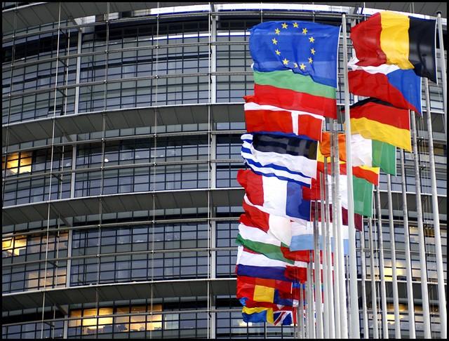 """<span class=""""entry-title-primary"""">A Europa é celebrada com apelos a solidariedade e em situação de recolhimento</span> <span class=""""entry-subtitle"""">Dia da Europa é vivido recorrendo às novas tecnologias com declarações de líderes políticos e momentos culturais</span>"""