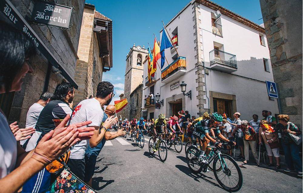 """<span class=""""entry-title-primary"""">Canceladas etapas da Volta a Espanha em bicicleta que passavam por Portugal</span> <span class=""""entry-subtitle"""">Decisão deve-se à """"imprevisibilidade da pandemia"""" da covid-19 e às alterações impostas pelo calendário</span>"""