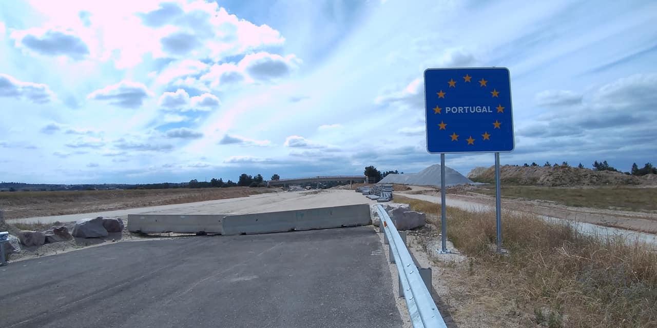 """<span class=""""entry-title-primary"""">Portugal mantém encerrada a Raia por mais dez dias por """"vingança"""" em resposta às unilateralidades do Governo espanhol</span> <span class=""""entry-subtitle"""">O EL TRAPÉZIO advertiu o Executivo espanhol sobre o que estava a acontecer no dia 28 de Maio</span>"""