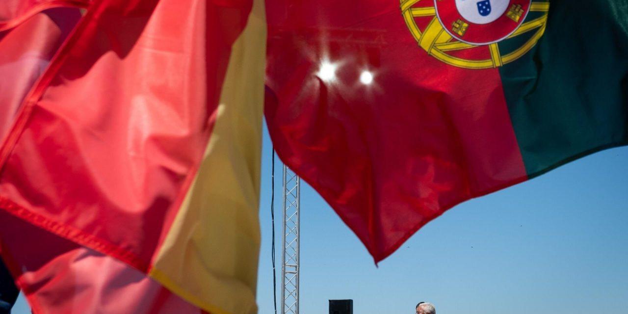 """<span class=""""entry-title-primary"""">Participantes del Foro Cívico Ibérico exponen sus propuestas a ambos Gobiernos ante una """"oportunidad de oro perdida""""</span> <span class=""""entry-subtitle"""">EL TRAPEZIO recoge declaraciones de Pablo Rivera, Antonio García Salas, Partido Ibérico Íber, Movimento Partido Ibérico y Plataforma Ibérica</span>"""