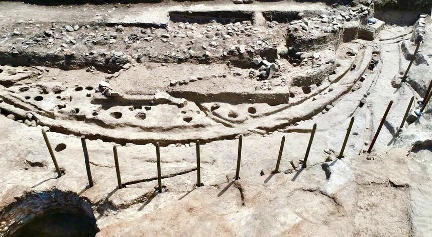 """<span class=""""entry-title-primary"""">Un «Stonehenge» de madera ha sido descubierto en el Alentejo</span> <span class=""""entry-subtitle"""">Esta estructura prehistórica es única en la península ibérica</span>"""