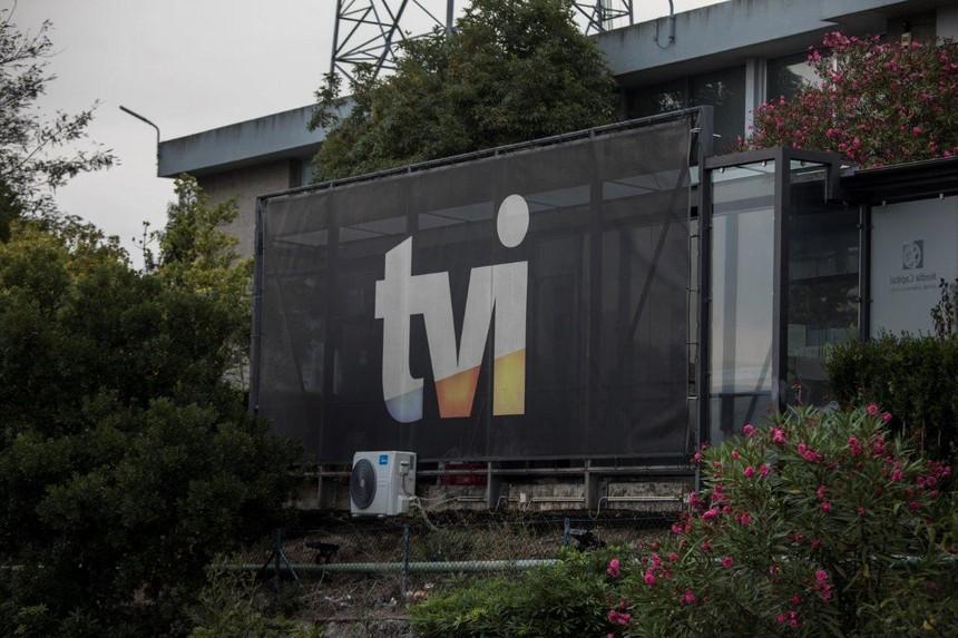 """<span class=""""entry-title-primary"""">A TVI volta para mãos portuguesas</span> <span class=""""entry-subtitle"""">Posição da Prisa no canal foi vendida a um conjunto de accionistas famosos</span>"""
