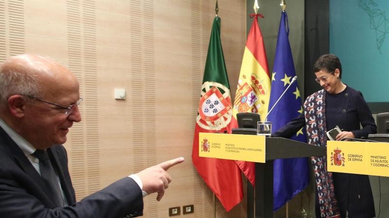 """<span class=""""entry-title-primary"""">Los socios europeos no se plantean ahora cierres fronterizos por los rebrotes</span> <span class=""""entry-subtitle"""">González Laya afirma que es momento de una mayor coordinación entre los Estados miembros</span>"""