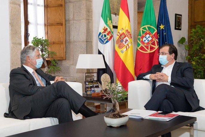 """<span class=""""entry-title-primary"""">Portugal rompe o tabú do comboio de alta velocidade Lisboa-Madrid</span> <span class=""""entry-subtitle"""">O embaixador português em Espanha e o Fórum Parlamentar Ibérico dão sinais da reabertura de um debate público, bilateral e técnico</span>"""