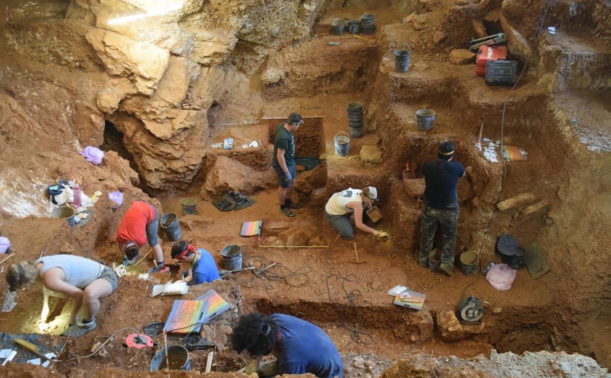 """<span class=""""entry-title-primary"""">El «homo sapiens» en la península ibérica: una andadura iniciada en África</span> <span class=""""entry-subtitle"""">Los primeros humanos modernos llegaron hace 40.000 años a la península, y compartieron el territorio con los neandertales</span>"""