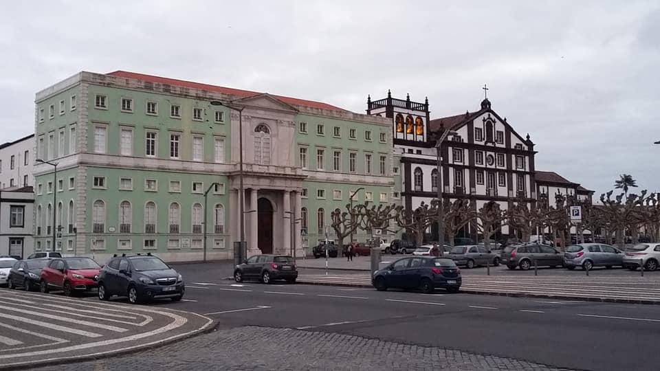 """<span class=""""entry-title-primary"""">Las Azores votan en sus elecciones autonómicas</span> <span class=""""entry-subtitle"""">Las islas portuguesas que mejor esquivan la covid sacan las urnas</span>"""