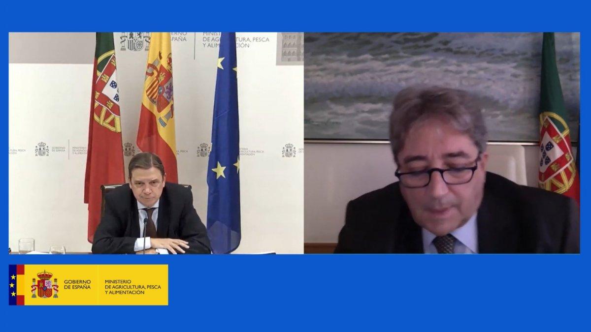 """<span class=""""entry-title-primary"""">España y Portugal preparan el Consejo europeo de Agricultura y Pesca de diciembre</span> <span class=""""entry-subtitle"""">La reunión entre ambos ministros ha tenido lugar en el marco de la próxima Presidencia portuguesa de la Unión Europea</span>"""