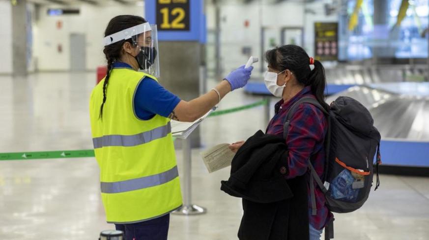 """<span class=""""entry-title-primary"""">Los aeropuertos españoles exigirán una prueba negativa de covid-19 para ciudadanos de Portugal y otros países de riesgo</span> <span class=""""entry-subtitle"""">Este test no será necesario para portugueses que crucen la Raya</span>"""