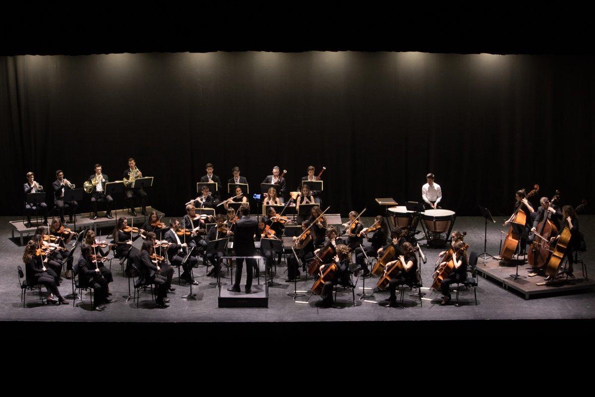 """<span class=""""entry-title-primary"""">Música além fronteiras</span> <span class=""""entry-subtitle"""">A Orquestra Sem Fronteiras estréia-se em Madrid com o concerto """"Atravessar fronteiras"""" </span>"""