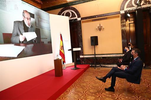 """<span class=""""entry-title-primary"""">Siza Vieira recebe prémio maior da arquitectura espanhola</span> <span class=""""entry-subtitle"""">Pela primeira vez o Prémio Nacional de Arquitectura de Espanha é atribuído a um português</span>"""