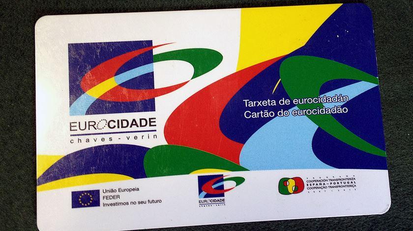 """<span class=""""entry-title-primary"""">O BNG consegue o apoio do PP para criar o primeiro cartão comum para a Galiza e Portugal</span> <span class=""""entry-subtitle"""">O PSdeG alertou contra a """"difícil cobertura jurídica"""" da medida, mas mesmo assim juntaram-se ao acordo</span>"""