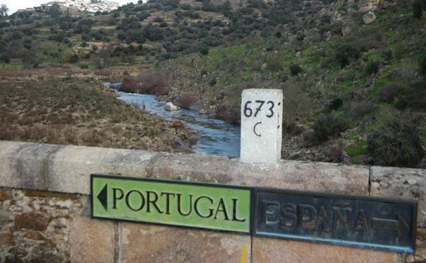 """<span class=""""entry-title-primary"""">Os extremenhos poderão viajar a Portugal no Natal apesar do encerramento perimetral</span> <span class=""""entry-subtitle"""">O que não poderão fazer é visitar outras comunidades autónomas, salvo excepções</span>"""