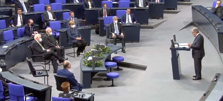 """<span class=""""entry-title-primary"""">Guterres defende acesso de toda a população mundial à """"vacina do povo""""</span> <span class=""""entry-subtitle"""">O secretário-geral agradeceu no Parlamento alemão (Bundestag) aos fundadores da BioNTech</span>"""