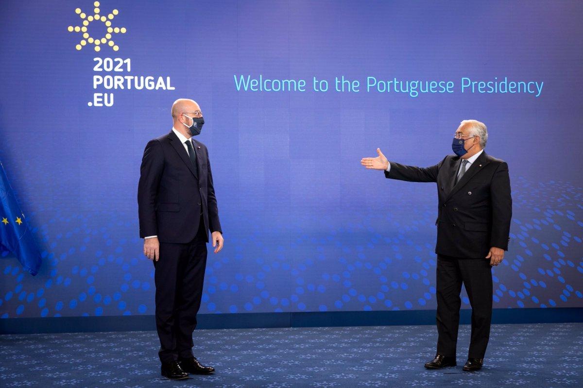 "<span class=""entry-title-primary"">Lisboa ao leme do barco europeu</span> <span class=""entry-subtitle"">Presidência europeia começou sem pompa e circunstância</span>"
