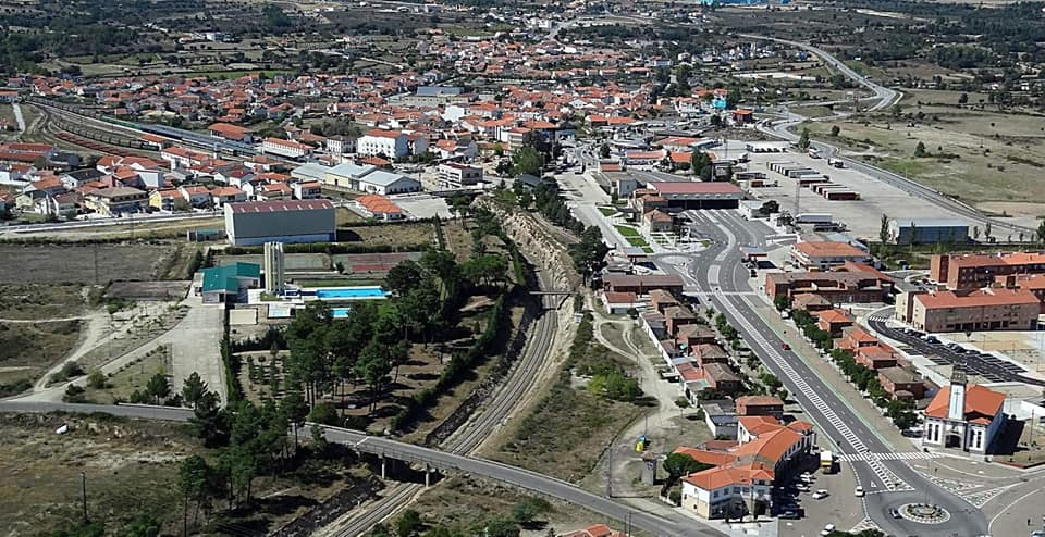 """<span class=""""entry-title-primary"""">Os cidadãos de Vilar Formoso e Fuentes de Oñoro defendem o direito a mobilidade transfronteiriça</span> <span class=""""entry-subtitle"""">A Frente Cívica Vilar Formoso-Fuentes de Oñoro apela ao primeiro-ministro português que estabeleçam um regime excepcional para os residentes raianos</span>"""