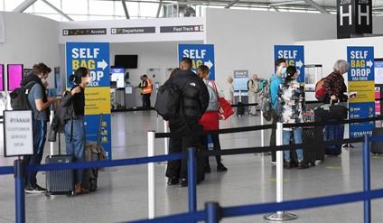 """<span class=""""entry-title-primary"""">Países europeus começam a levantar as restrições a Portugal</span> <span class=""""entry-subtitle"""">Alemanha e o Reino Unido preparam-se para levantar a proibição dos vôos provenientes de território luso</span>"""