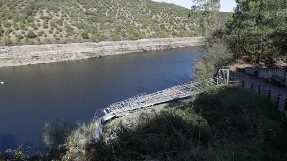 """<span class=""""entry-title-primary"""">Água escasseia na Península Ibérica</span> <span class=""""entry-subtitle"""">Relatório demonstra a influência que as alterações climáticas têm na disponibilidade dos recursos hídricos</span>"""